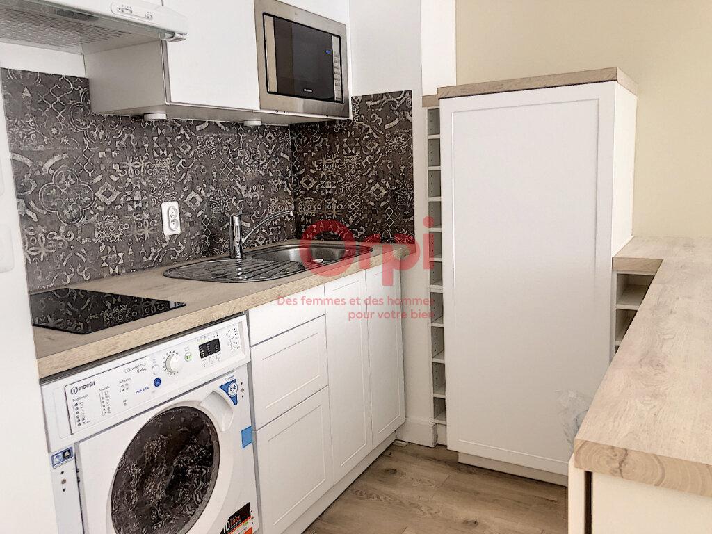 Appartement à louer 1 24m2 à Paris 15 vignette-3