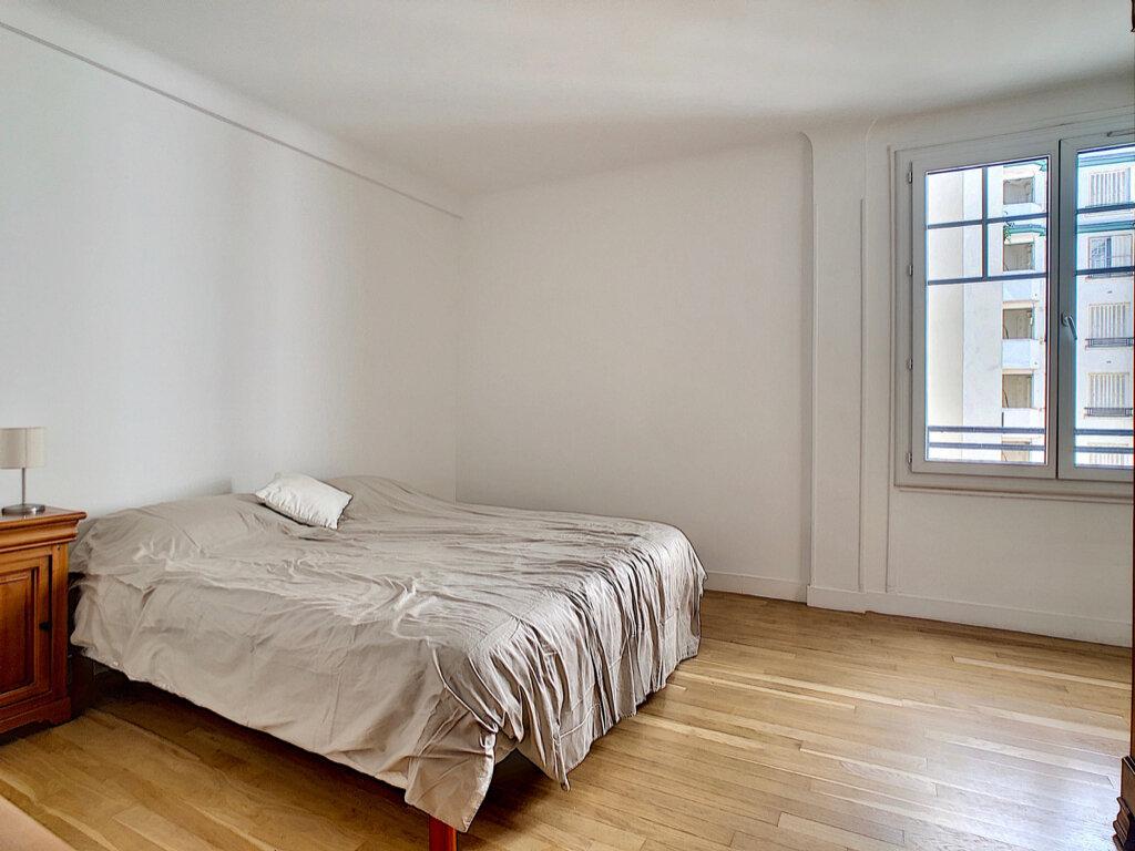Appartement à louer 3 80m2 à Paris 15 vignette-7