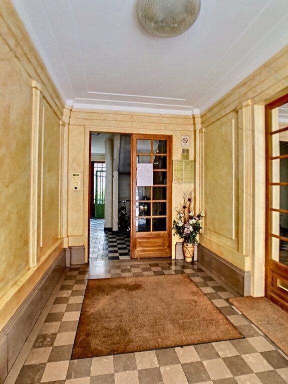 Appartement à louer 3 80m2 à Paris 15 vignette-11