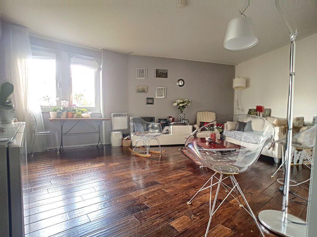 Appartement à vendre 2 52m2 à Paris 14 vignette-3