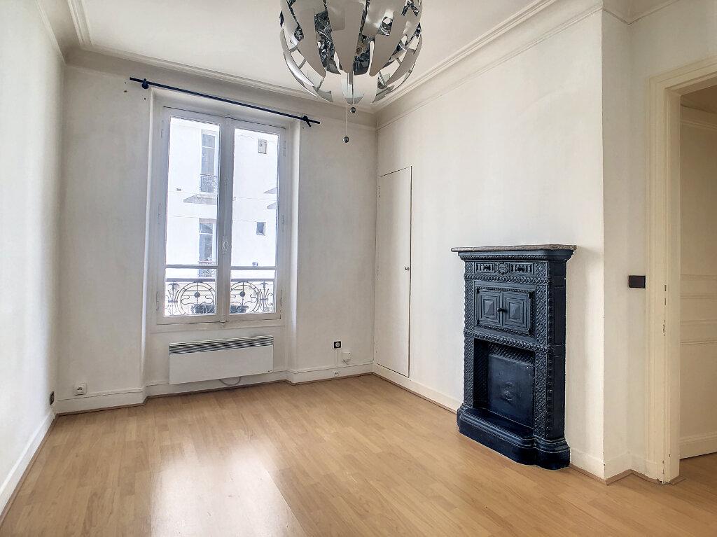 Appartement à louer 2 31.31m2 à Paris 14 vignette-1