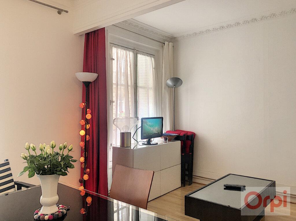 Appartement à louer 2 44m2 à Paris 14 vignette-3