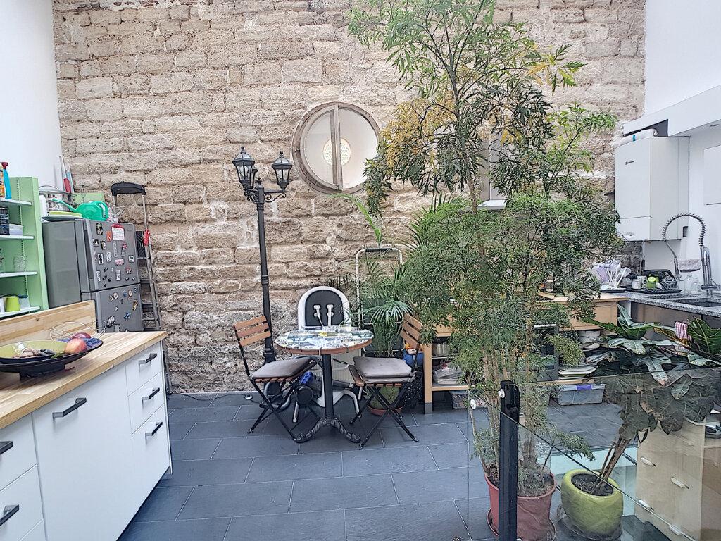 Appartement à vendre 3 67m2 à Paris 12 vignette-2