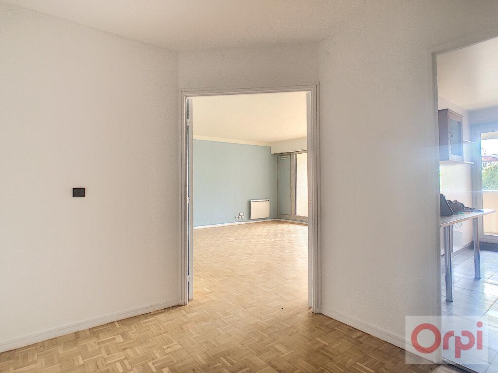 Appartement à louer 4 88m2 à Vanves vignette-2