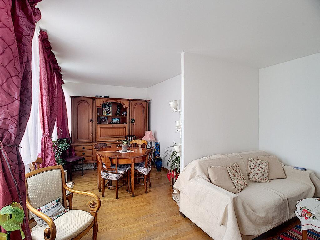 Appartement à vendre 3 68m2 à Paris 13 vignette-1