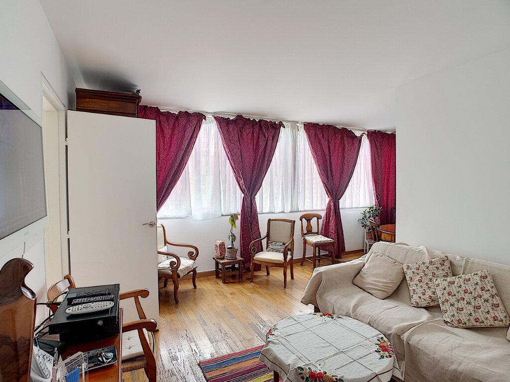 Appartement à vendre 3 68m2 à Paris 13 vignette-2