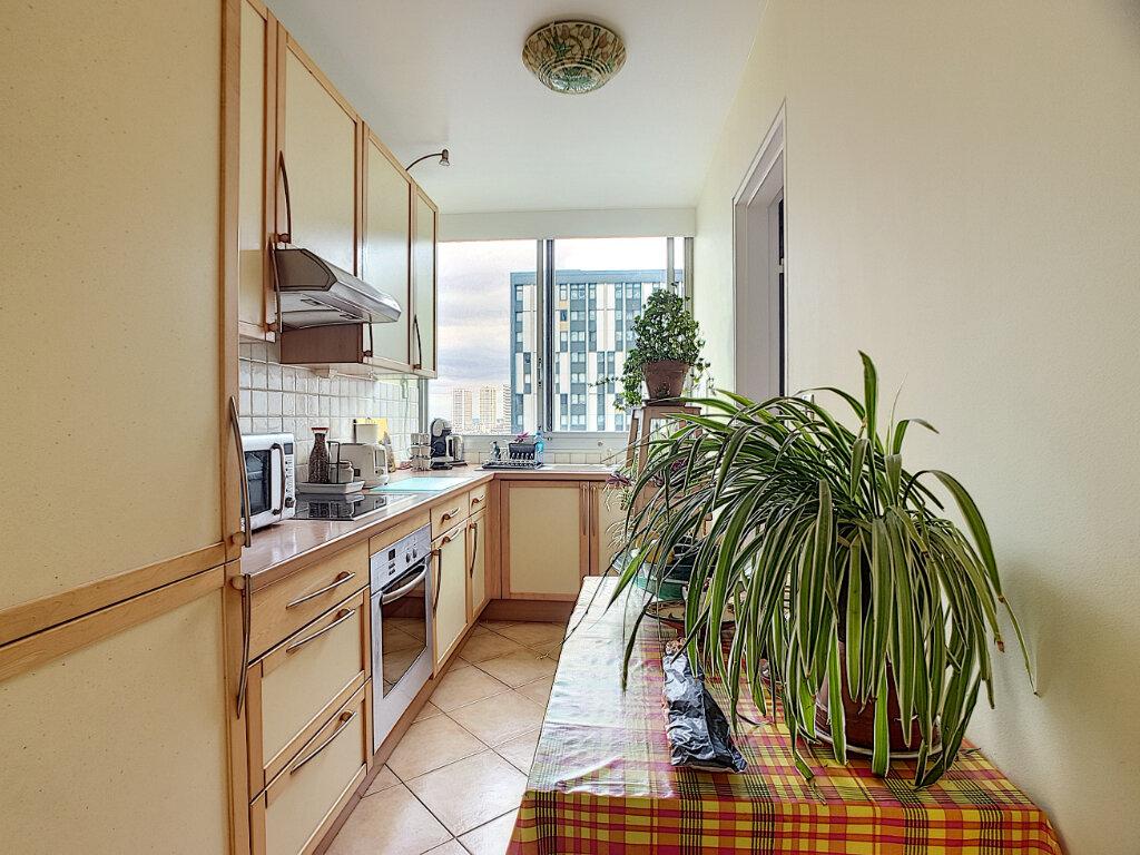 Appartement à vendre 3 68m2 à Paris 13 vignette-3