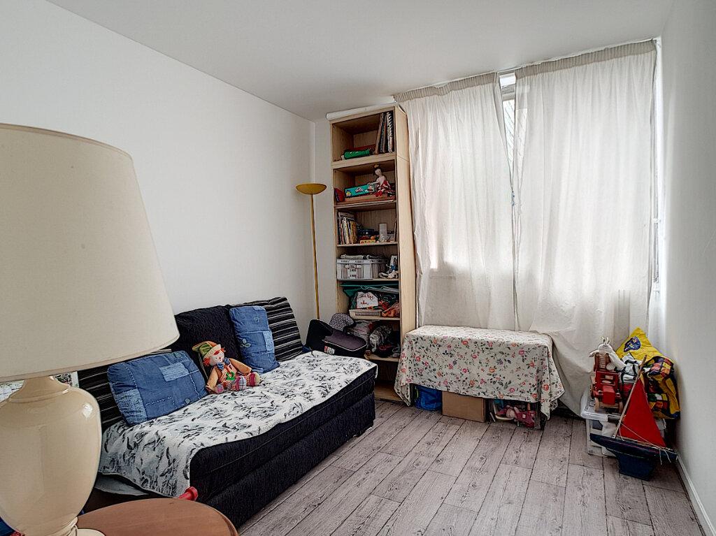 Appartement à vendre 3 68m2 à Paris 13 vignette-5
