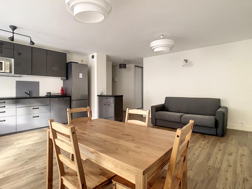 Appartement à louer 3 64.79m2 à Paris 14 vignette-3