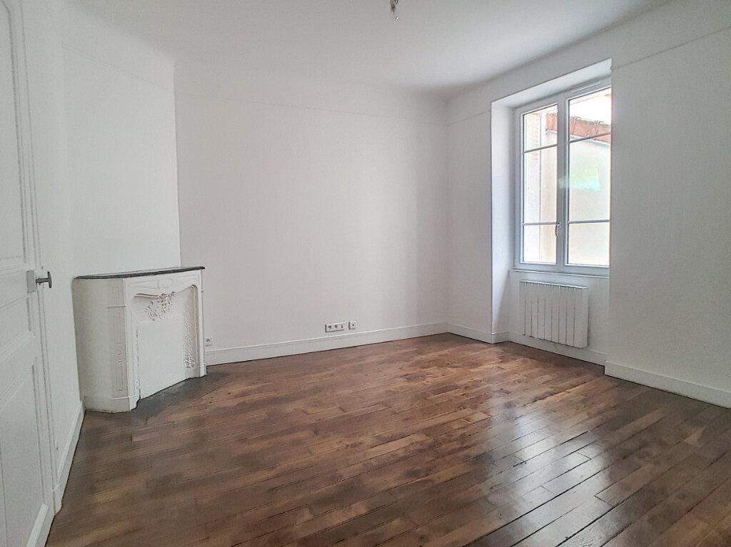 Appartement à louer 1 29.83m2 à Paris 14 vignette-2