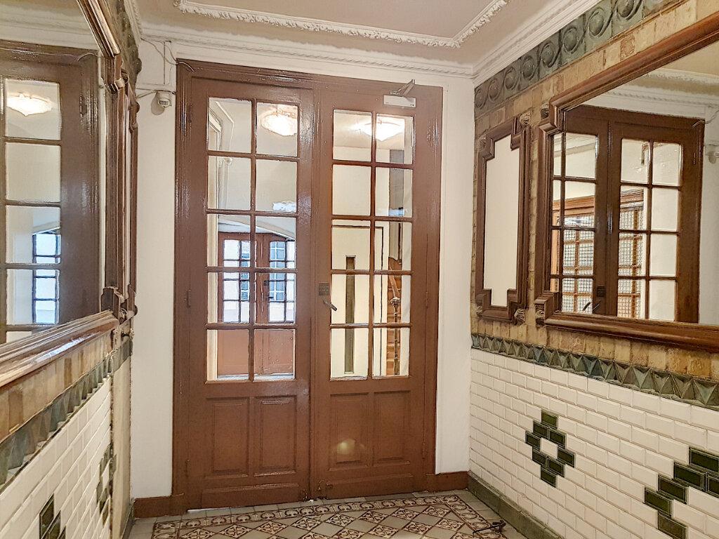 Appartement à louer 1 29.83m2 à Paris 14 vignette-6