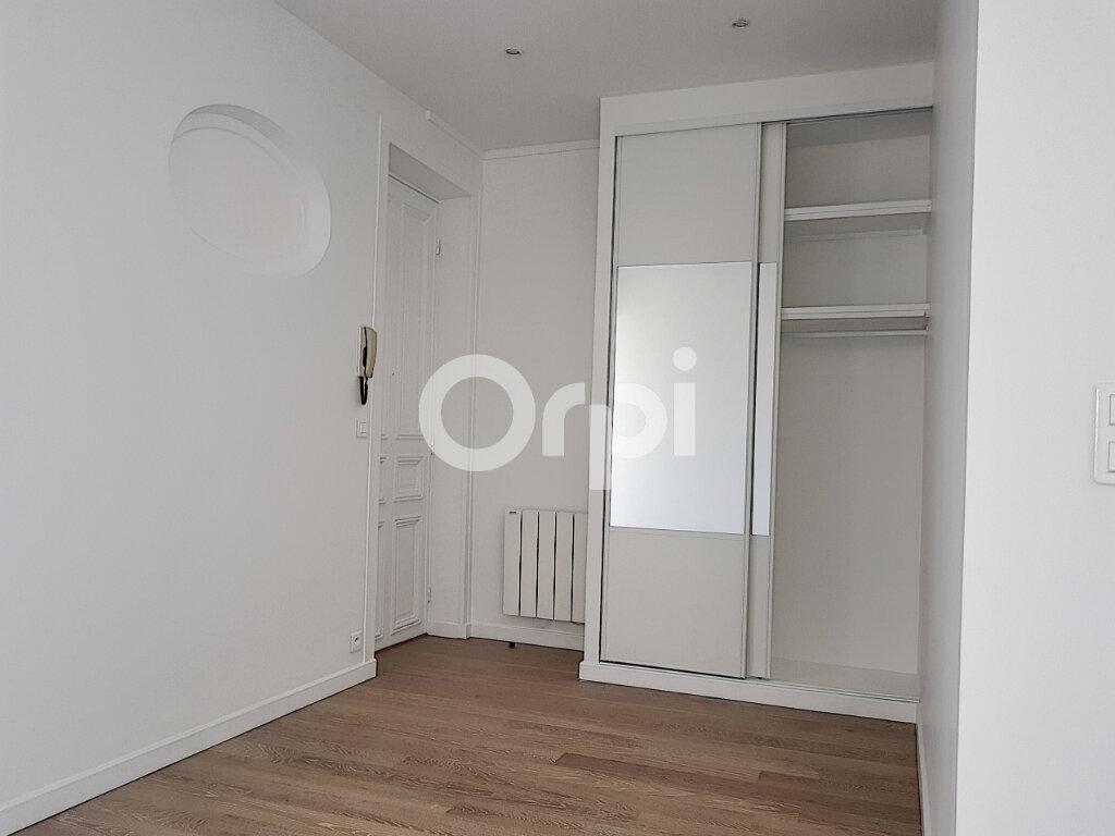 Appartement à louer 2 51.4m2 à Paris 14 vignette-3