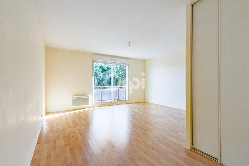 Appartement à louer 2 46m2 à Limoges vignette-3