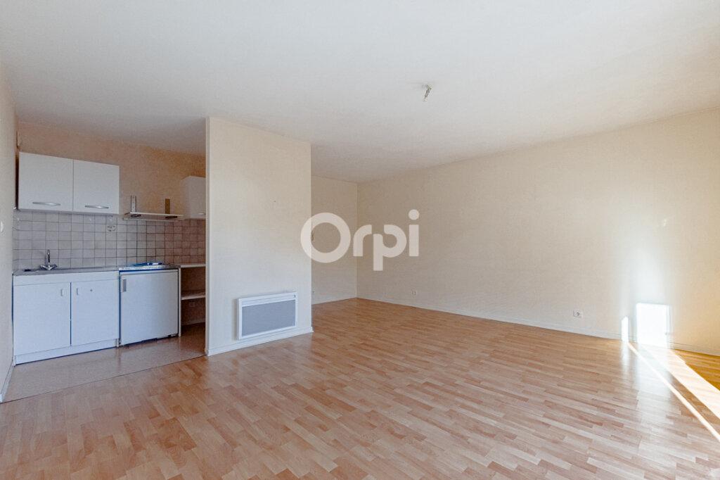 Appartement à louer 2 46m2 à Limoges vignette-4