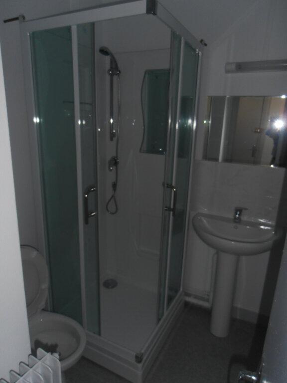 Appartement à louer 2 35m2 à Limoges vignette-4