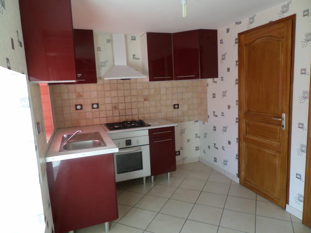 Maison à louer 4 72m2 à Saint-Priest-Taurion vignette-6