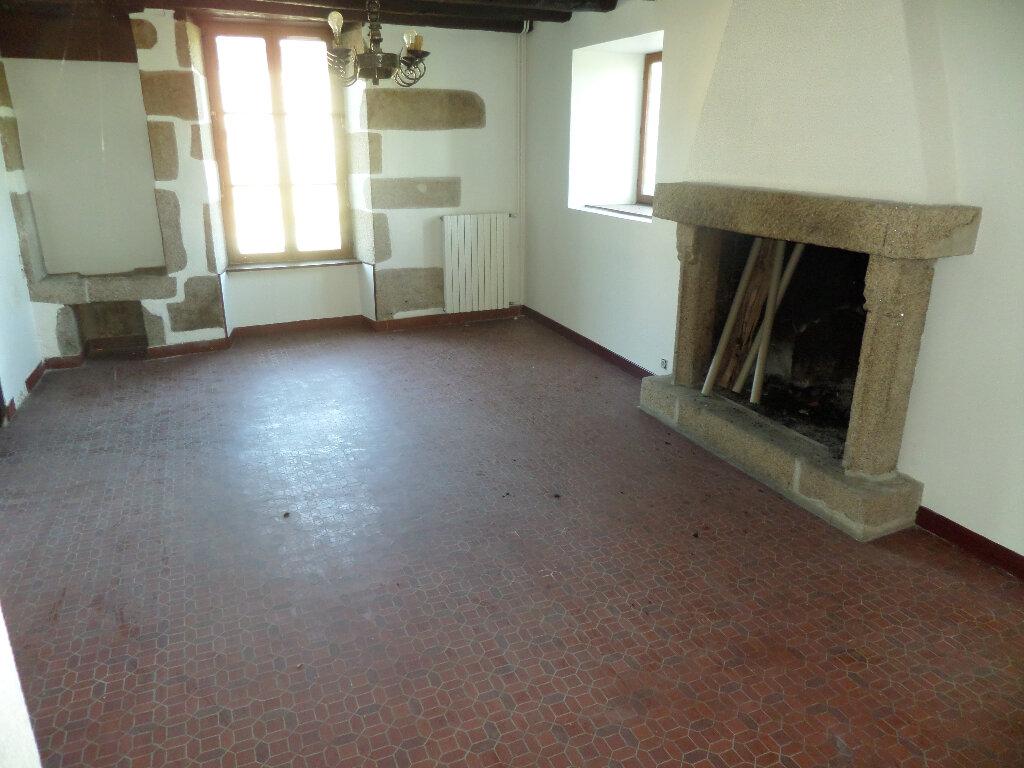 Maison à louer 8 193m2 à Saint-Priest-Taurion vignette-3