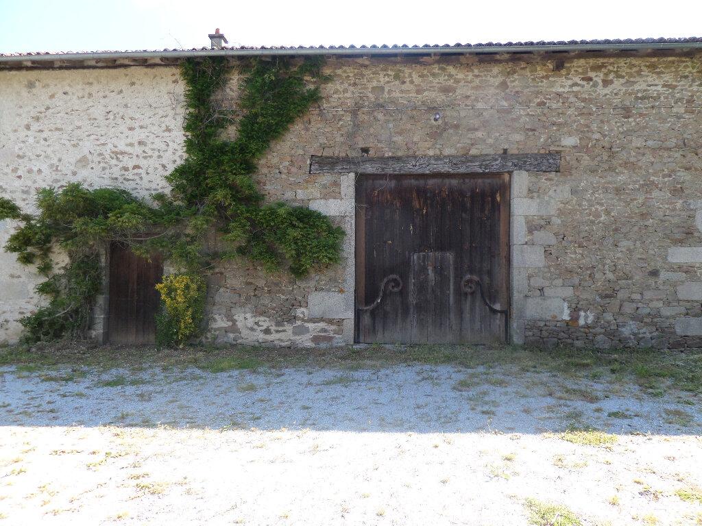 Maison à louer 8 193m2 à Saint-Priest-Taurion vignette-6