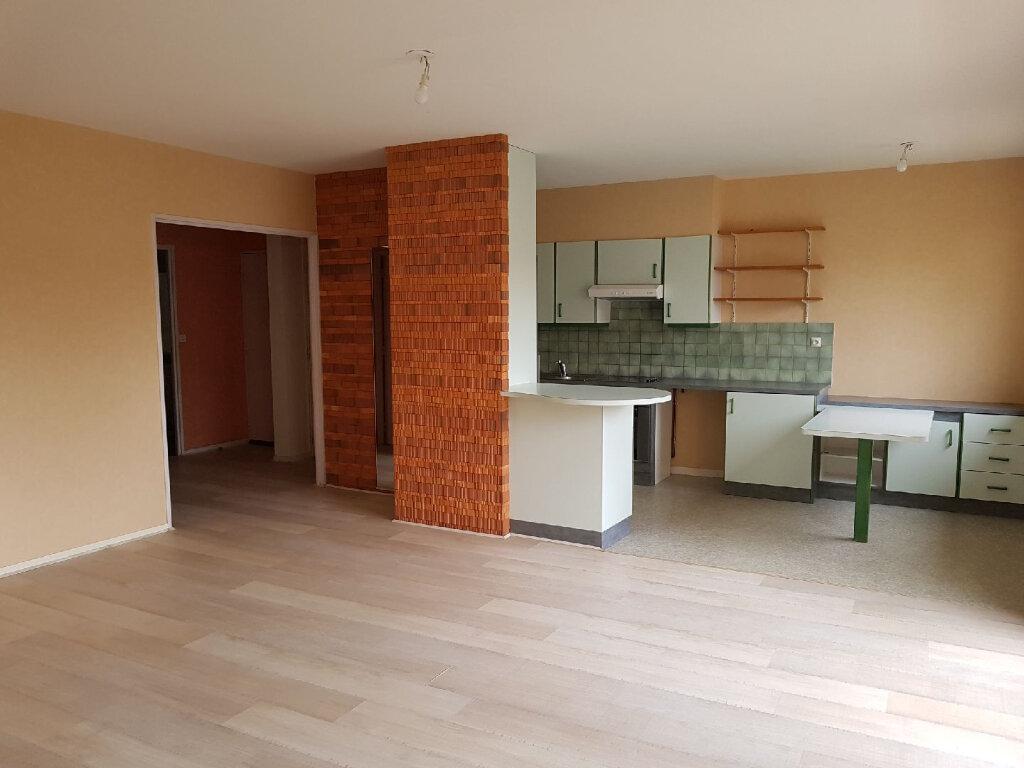 Appartement à louer 3 77m2 à Limoges vignette-2