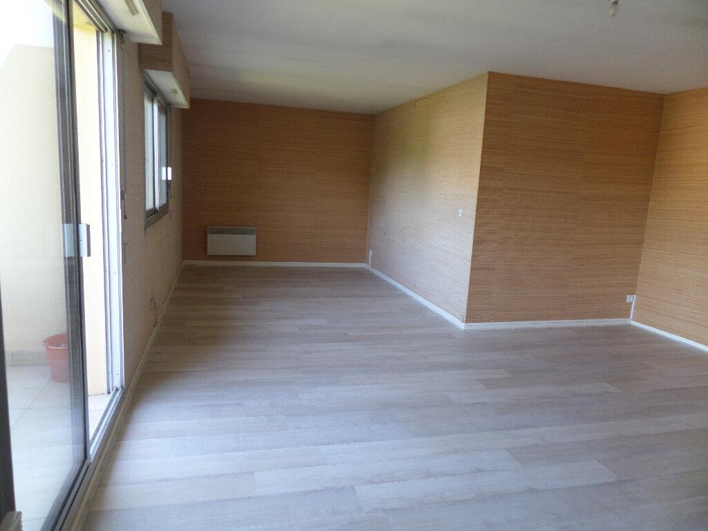 Appartement à louer 3 77m2 à Limoges vignette-4