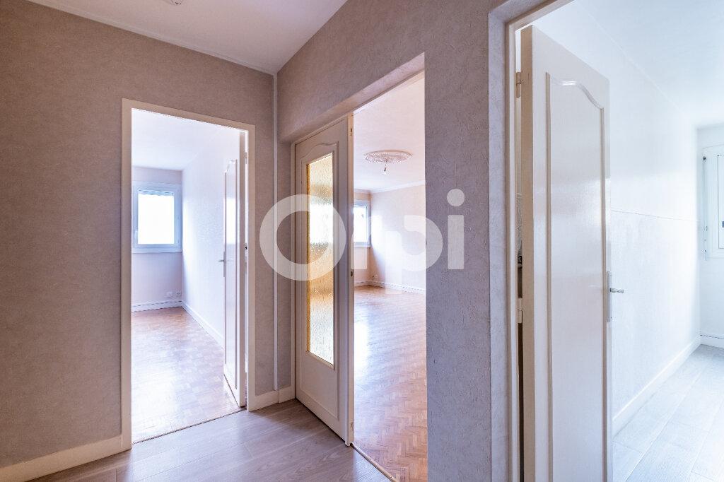 Appartement à louer 3 67m2 à Limoges vignette-3