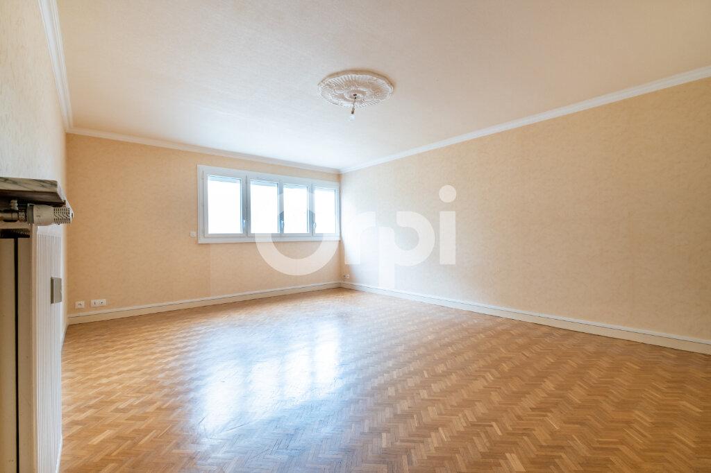 Appartement à louer 3 67m2 à Limoges vignette-4
