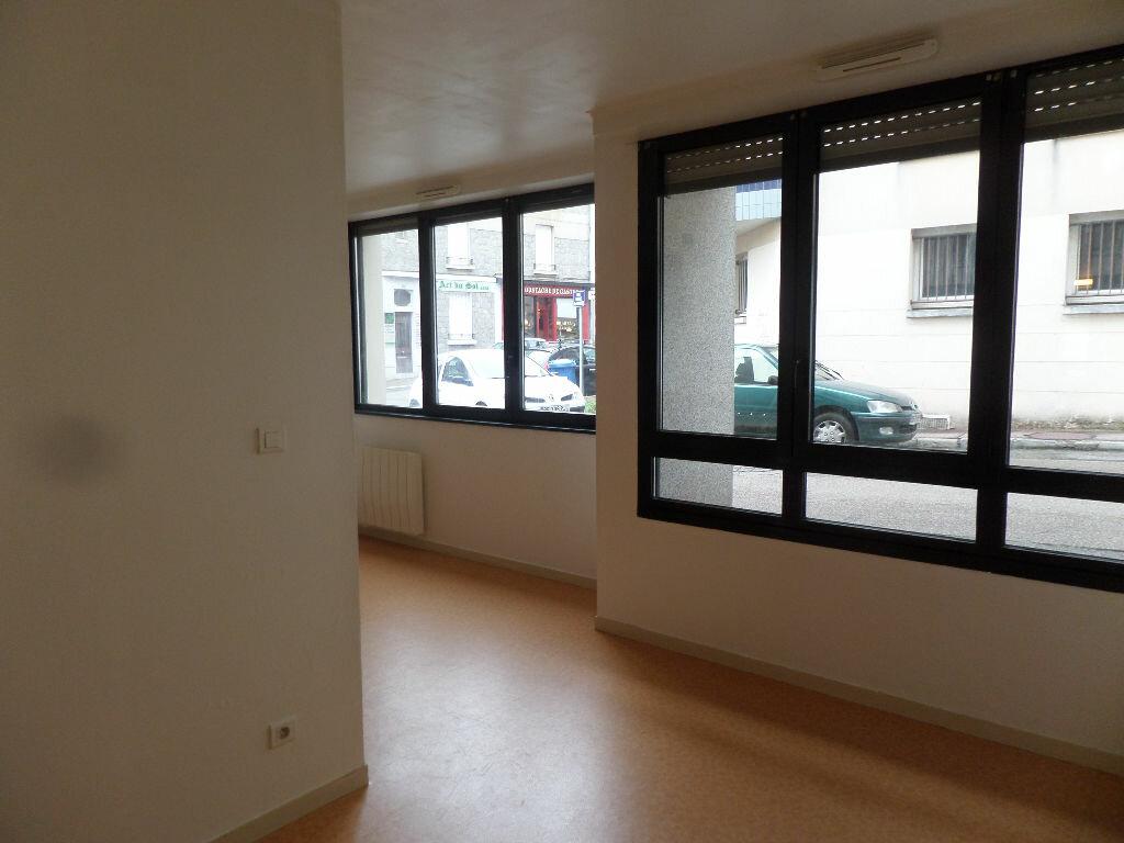 Appartement à louer 2 30.35m2 à Limoges vignette-2