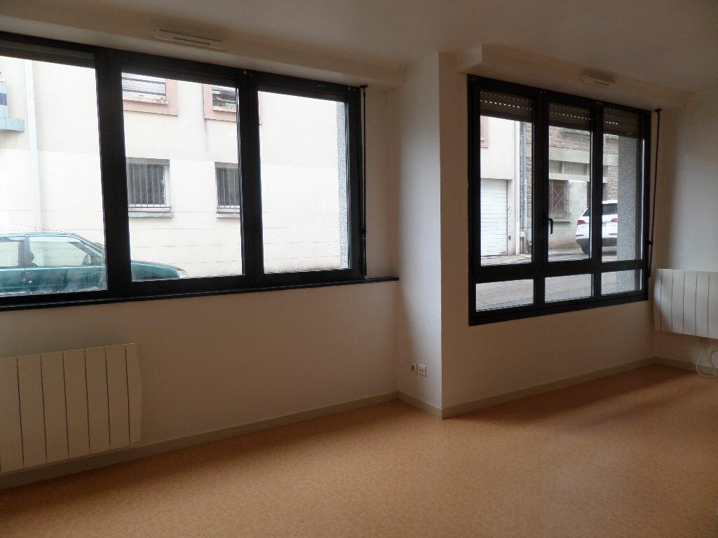Appartement à louer 2 30.35m2 à Limoges vignette-3