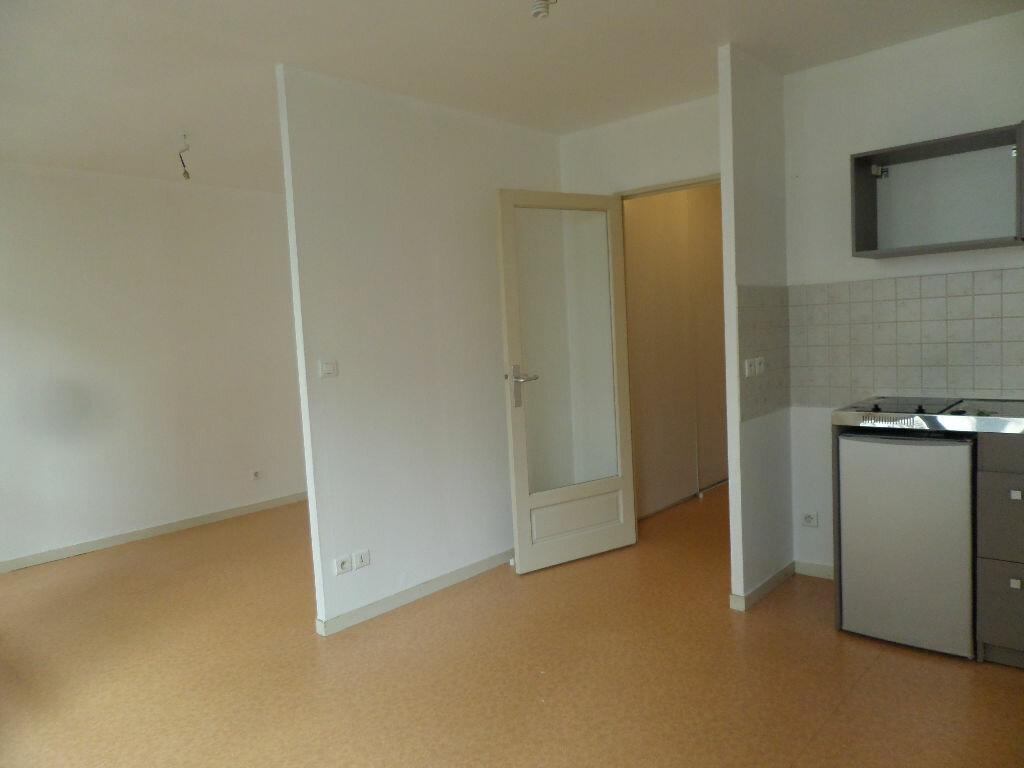 Appartement à louer 2 30.35m2 à Limoges vignette-4