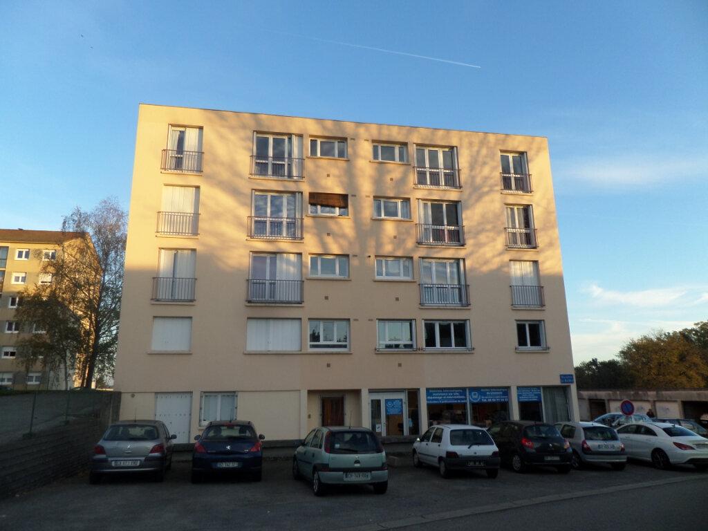 Appartement à louer 1 36m2 à Isle vignette-1