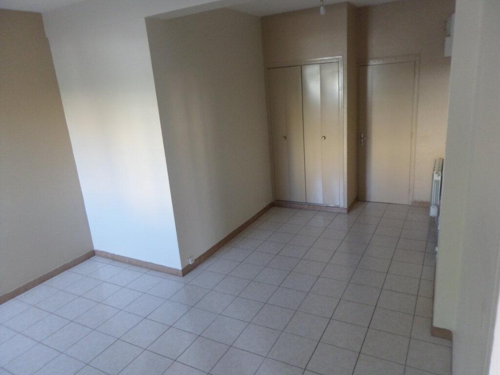 Appartement à louer 1 36m2 à Isle vignette-3