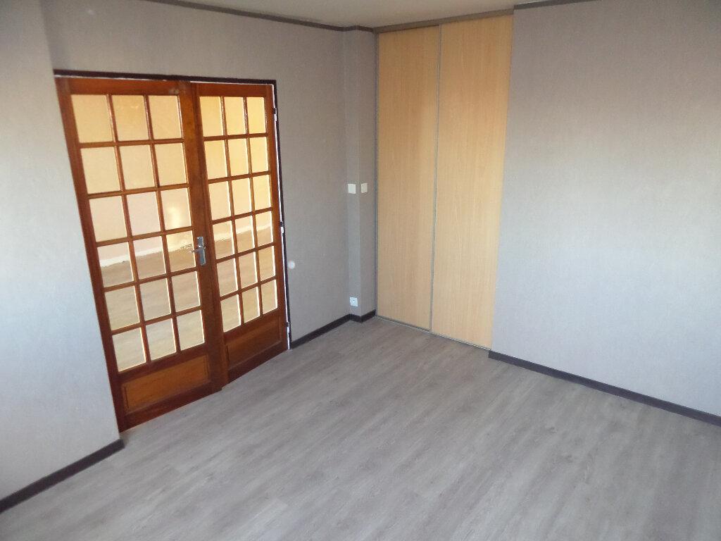 Appartement à louer 4 82m2 à Limoges vignette-5