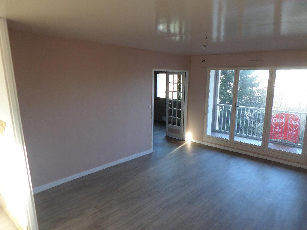 Appartement à louer 4 82m2 à Limoges vignette-6