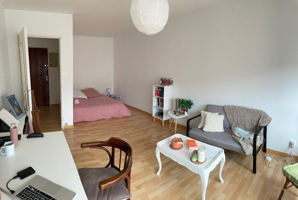 Appartement à louer 1 35.8m2 à Limoges vignette-1