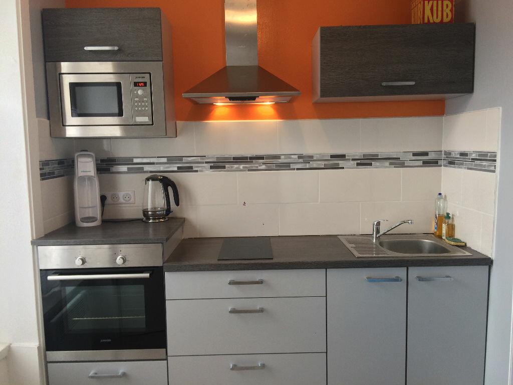 Appartement à louer 2 41.86m2 à Limoges vignette-2