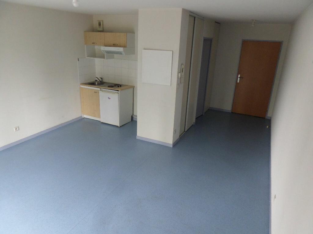 Appartement à louer 1 30.5m2 à Limoges vignette-2