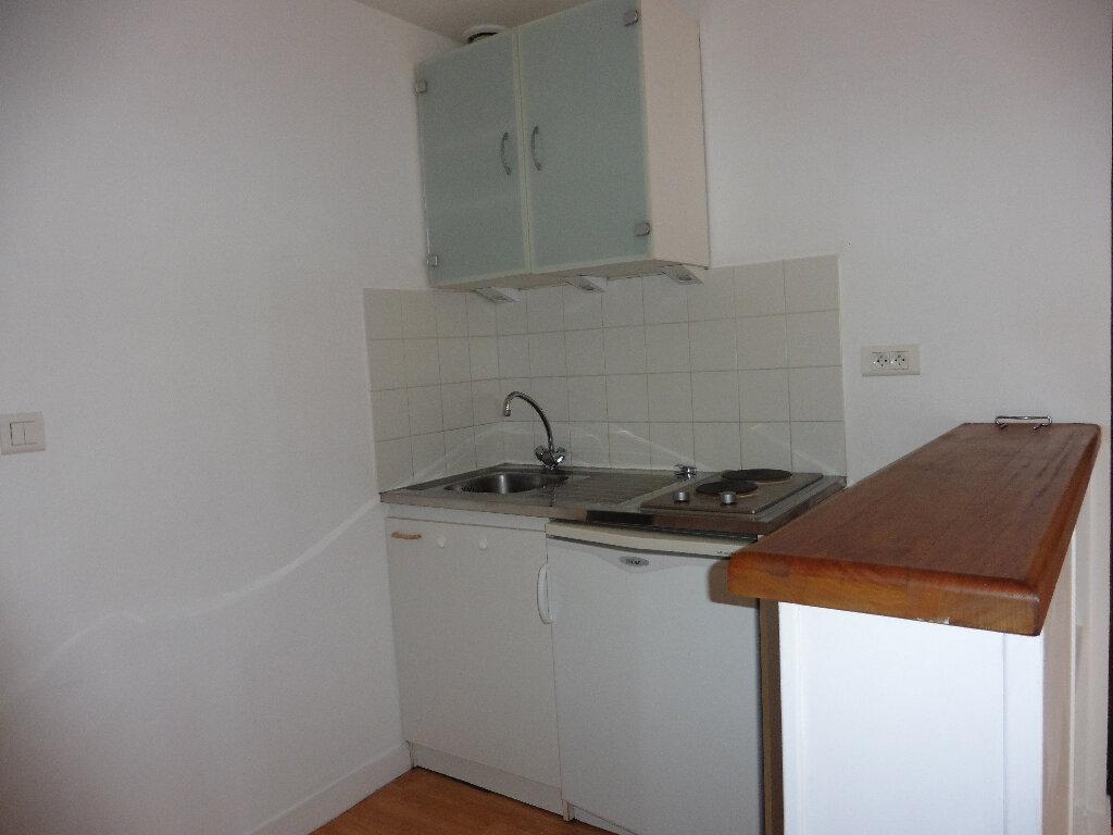 Appartement à louer 1 25.01m2 à Limoges vignette-4