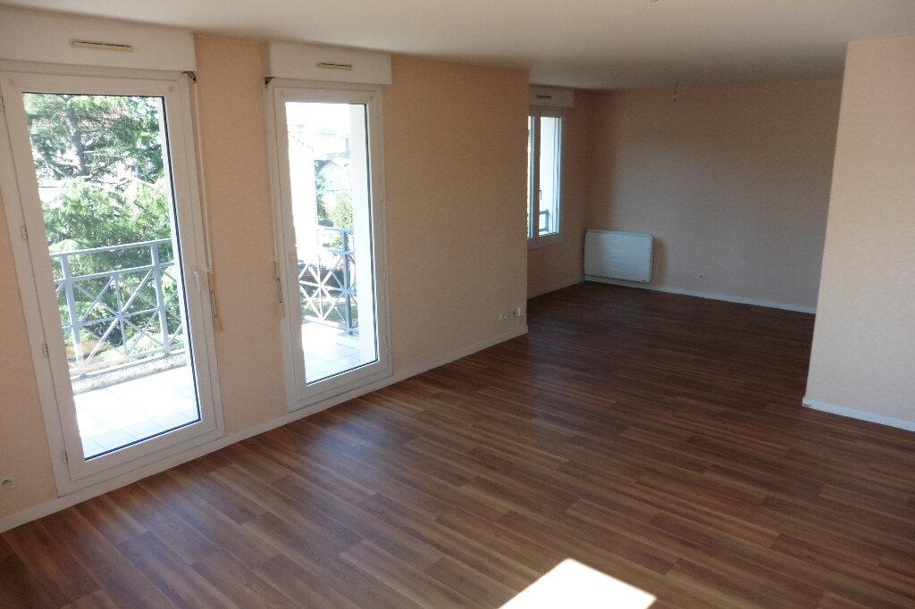 Appartement à louer 3 80m2 à Limoges vignette-1