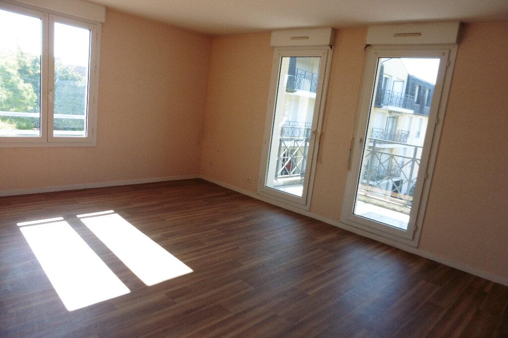 Appartement à louer 3 80m2 à Limoges vignette-2