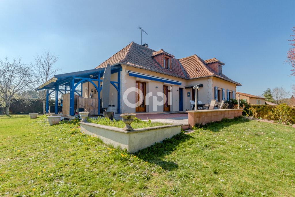 Maison à vendre 7 163.83m2 à Feytiat vignette-1