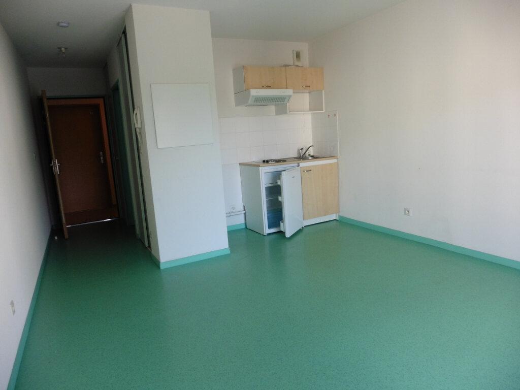 Appartement à louer 1 25.34m2 à Limoges vignette-2