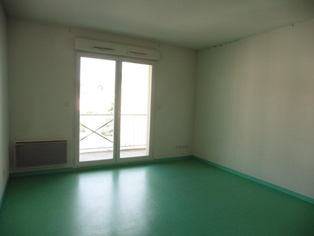 Appartement à louer 1 25.34m2 à Limoges vignette-3