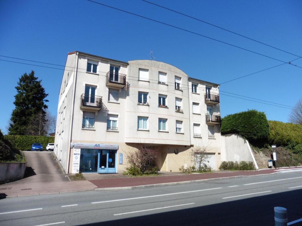 Appartement à louer 2 45.03m2 à Limoges vignette-1