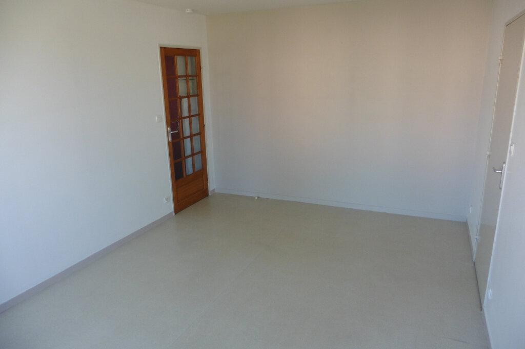 Appartement à louer 2 45.03m2 à Limoges vignette-6