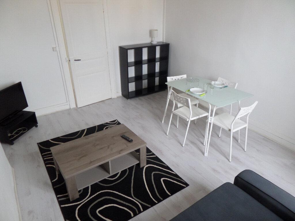 Appartement à louer 2 35.14m2 à Limoges vignette-3