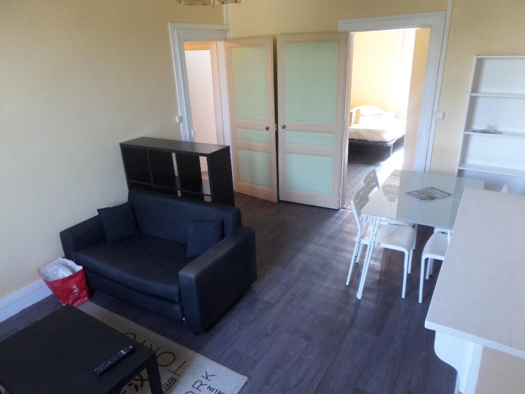 Appartement à louer 2 33m2 à Limoges vignette-2