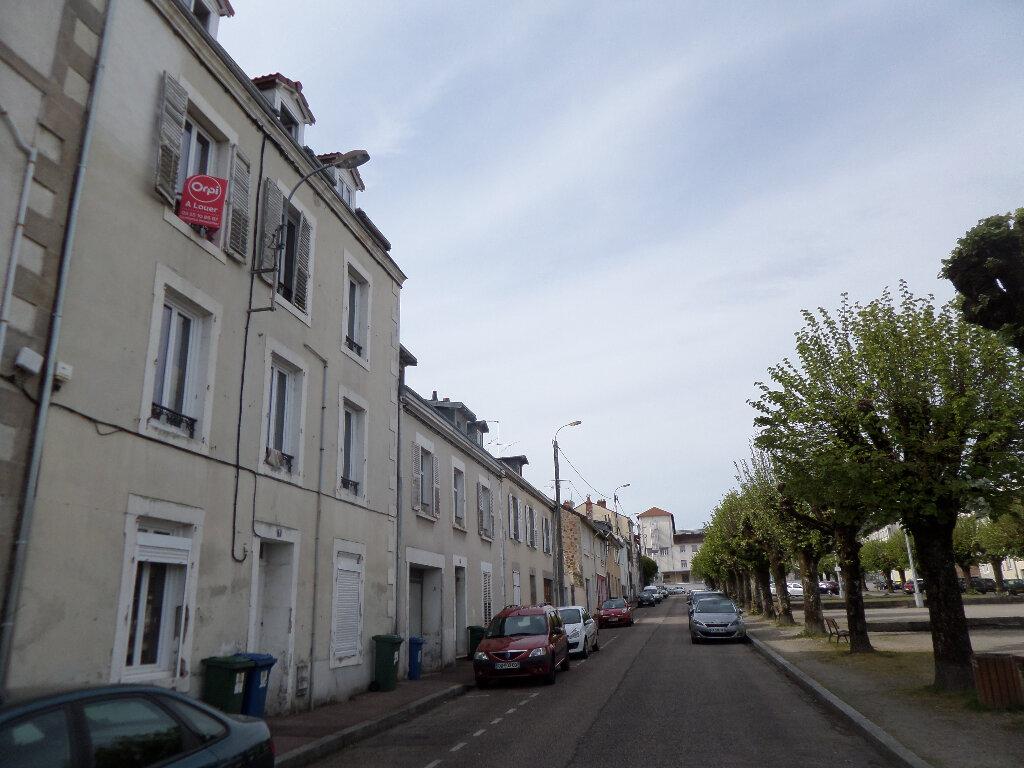 Appartement à louer 2 33m2 à Limoges vignette-4