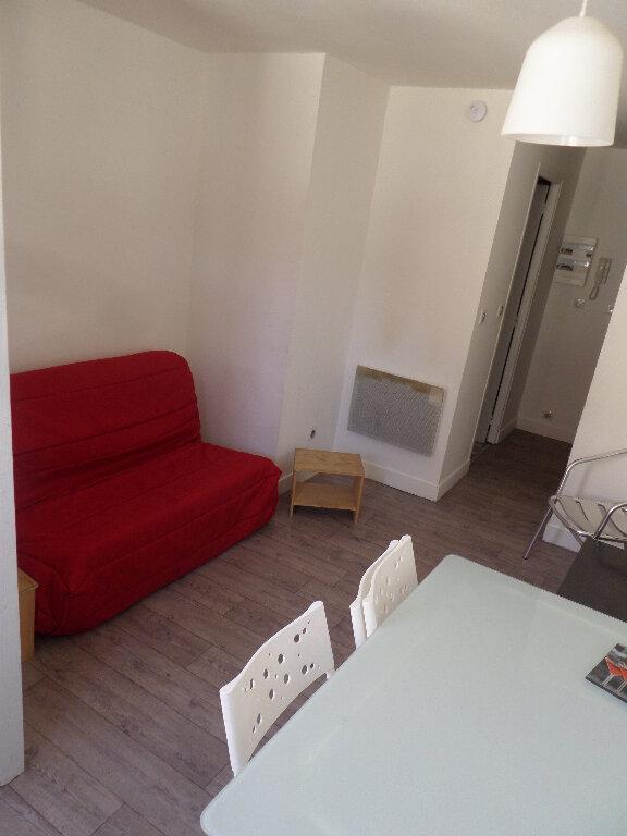 Appartement à louer 1 18m2 à Limoges vignette-3