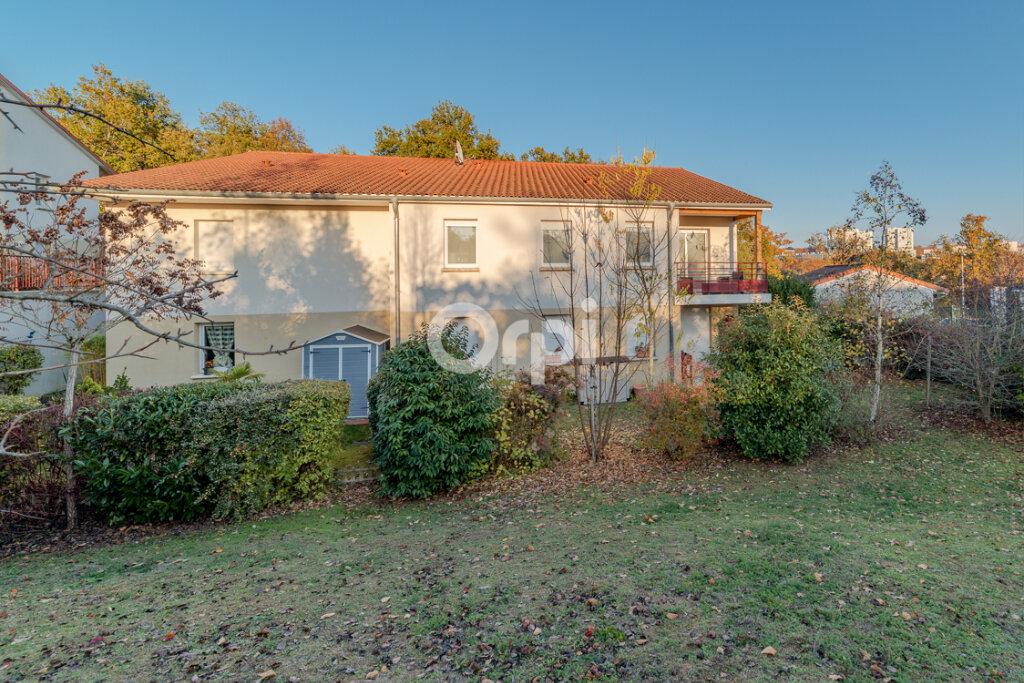 Appartement à vendre 3 66m2 à Limoges vignette-1