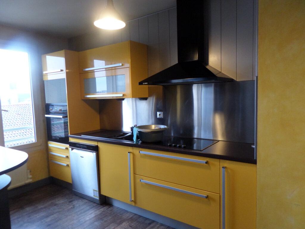 Appartement à louer 3 68.78m2 à Limoges vignette-1